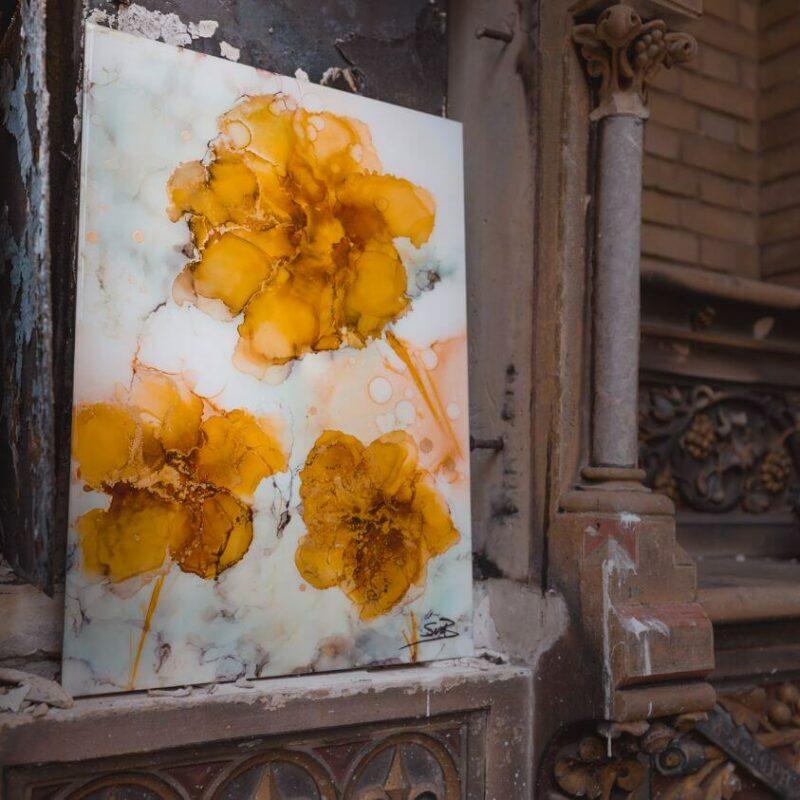 Epoxy schilderij bloemen oker goud